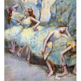 Ballet dancers in the wings